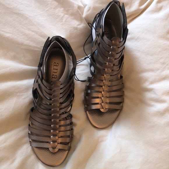 c2f4e23c9d4 a.n.a. Meadow women s wedge sandals in pewter
